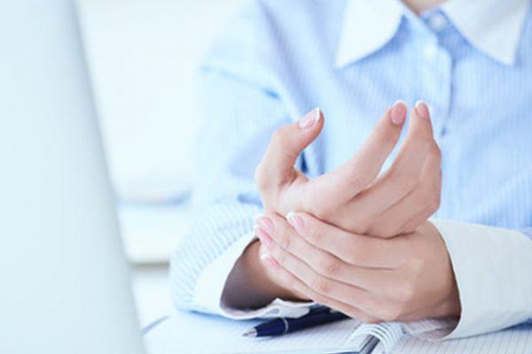 Drętwienie rąk choroba leczona przez fizjoterapeutę